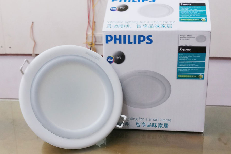 den-am-tran-smalu-Philips